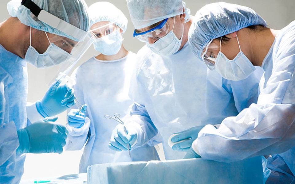 Intervento endoscopico per l'asportazione del tumore della vescica TURV Napoli